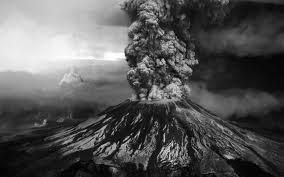 Volcán descarga volcánica