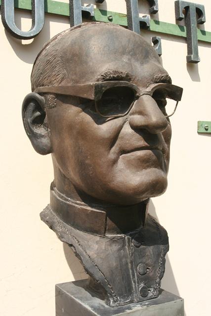 Monseñor Romero 2