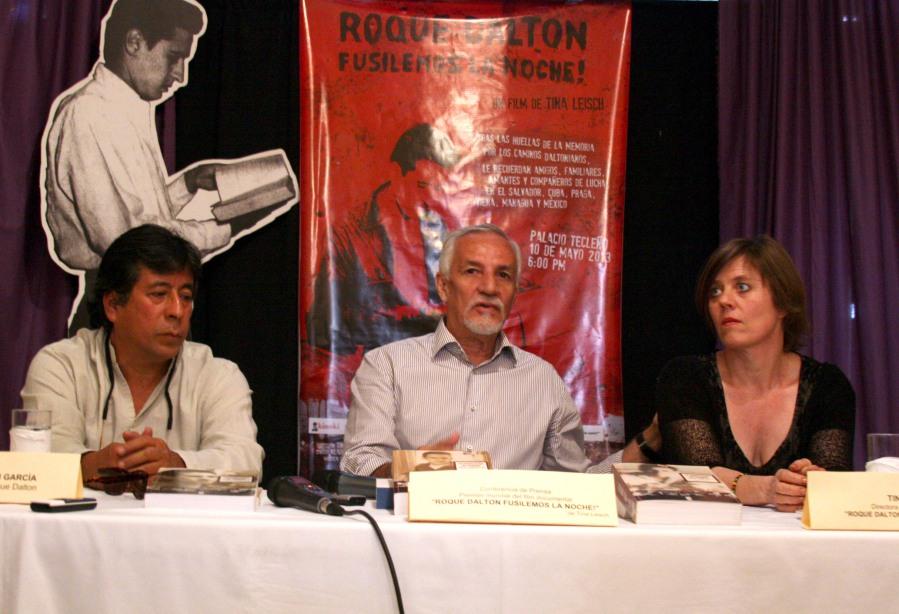 Fusilemos la noche. Conferencia-de-Prensa-anunciando-la-premier-de-film-sobre-Roque-Dalton-en-el-MUPI