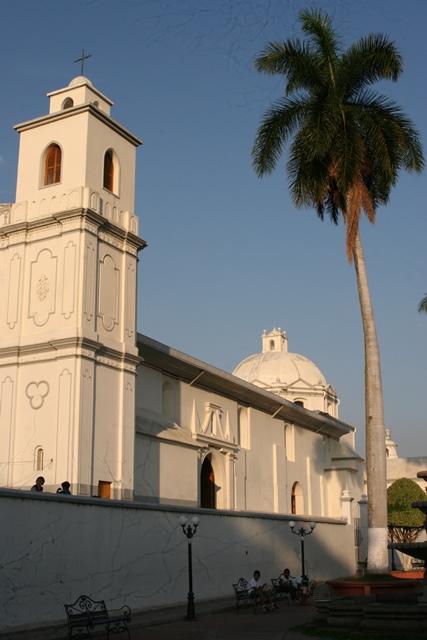 Iglesia de Ahuachapán
