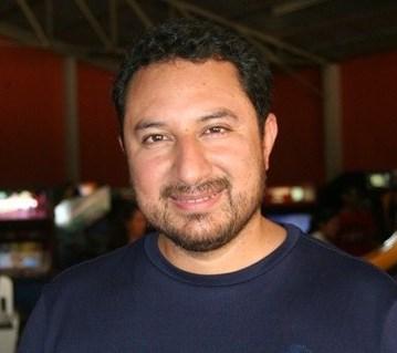 MAURICIO CALLEJAS, cantautor salvadoreño.