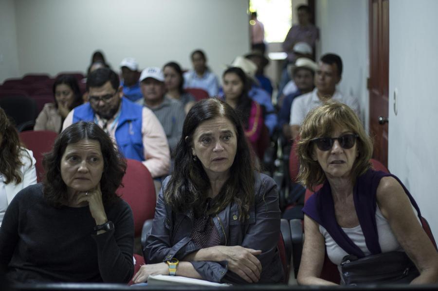 De izquierda a derecha: Silvana Turner, Mercedes Doretti y Patricia Bernardi.