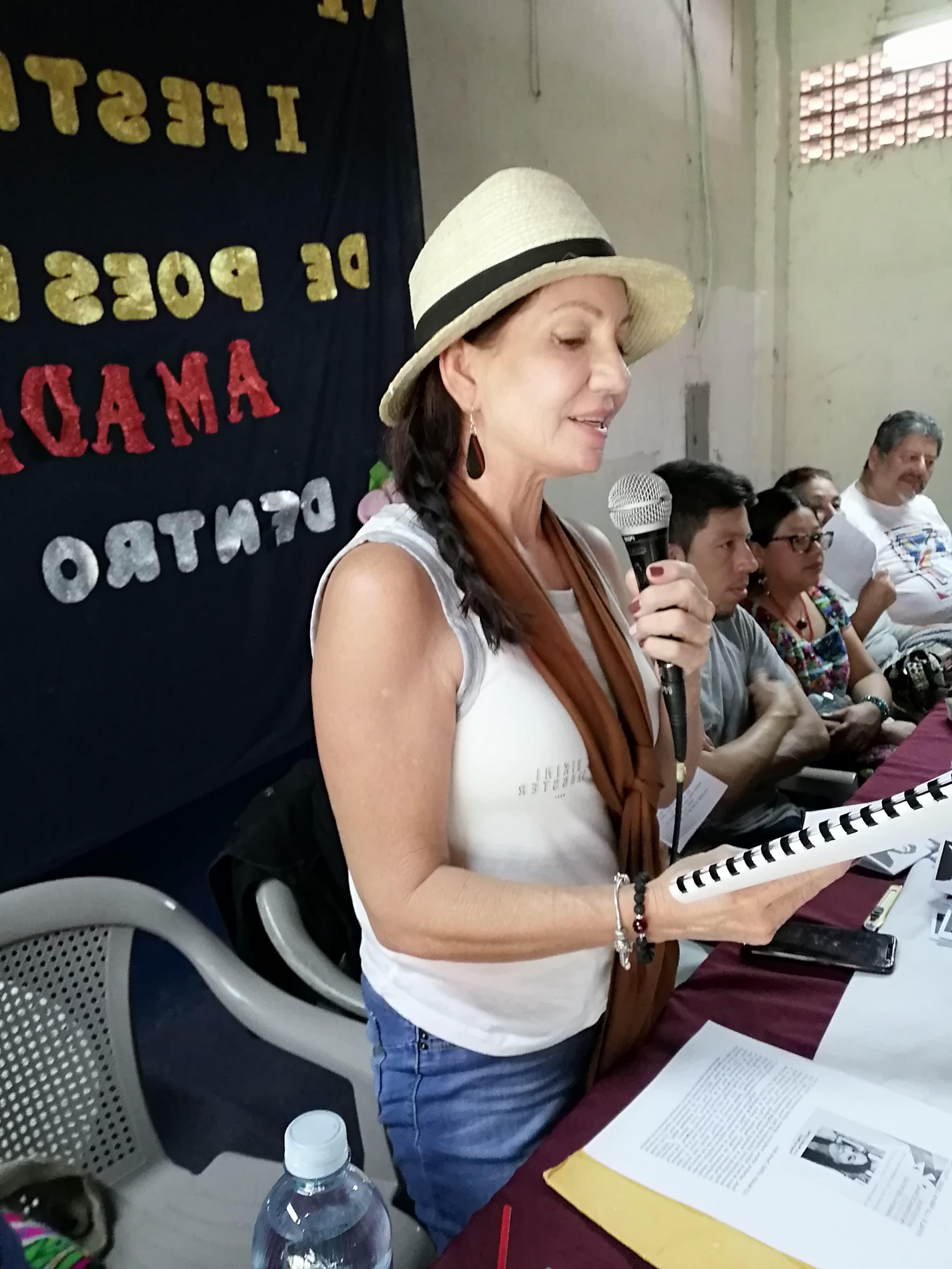 LUZ MARÍA LÓPEZ. Festival de poesía Amada Libertad. Atiquizaya 11 julio 2019 2